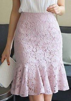 Wall - Women's style: Patterns of sustainability Lace Skirt Outfits, Lace Outfit, Dress Skirt, Lace Dress, Midi Skirt, Lace Maxi, Pleated Dresses, Long Lace Skirt, White Lace Skirt