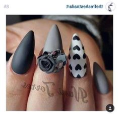 Wanna try wearing pointy nails? Do not hesitate then and check out this post with gorgeous and daring designs for stiletto nails! Grey Matte Nails, Grey Nail Art, Blue Nails, Black Nail, E Tattoo, Grey Nail Designs, Pointy Nails, Coffin Nails, Acrylic Nails