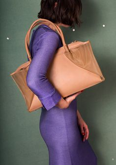 Light and versatile leather bags and accessory design. Briefcase, Leather Bag, Bodycon Dress, Classic, Design, Bags, Dresses, Shoes, Fashion