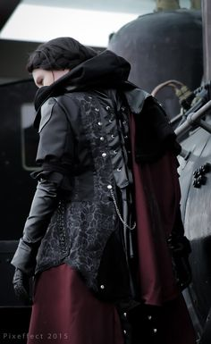 Evie Frye cosplay photoshoot at Kosucon by Acannie