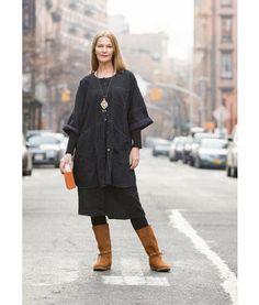 Gudrun Sjödén Tunika aus Baumwolle Schön und bequem zugleich – die großzügig geschnittene Tunika aus überfärbtem, weich vorgewaschenem Baumwolldenim hat das Zeug zum Klassiker! Gerade geschnittenes Modell mit 3/4-Ärmeln und großen Vordertaschen. #40 #Jubiläum #naturmode