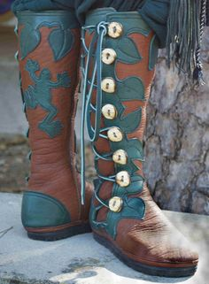 Love the ivy detail - mysticsoles.com