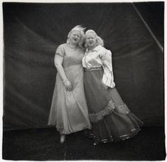 Diane Arbus- Albino Sword Swallower and Her Sister, MD., 1970