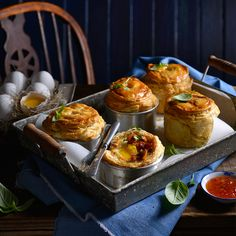These bacon and egg pies are a twist on the breakfast classic frittata. Frittata, Cheddar, Egg Pie, South African Recipes, Family Meals, Family Recipes, Bacon Egg, Avocado, Muffin