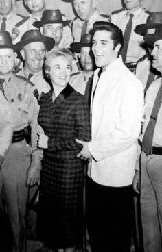 meeting the press in september 27 1957 in Tupelo  Mississippi