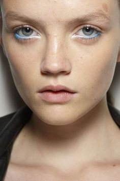 Holly Fulton at London Spring 2015 (Backstage). http://votetrends.com/polls/369/share #makeup #beauty #runway #backstage