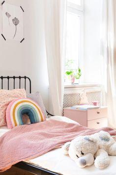 5 Real Life Tips to Control Kids Clutter #kidsclutter #decluttering