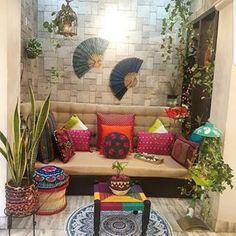 Indian home decor beauty , indische wohnkultur schönhei. Home Decor Furniture, Home Decor Bedroom, Living Room Decor, Diy Home Decor, Indian Bedroom Decor, Indian Home Interior, Home Interior Design, Interior Decorating, Ethnic Home Decor