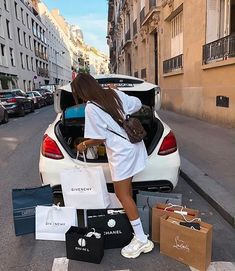 -R Collection: Luxury / Luxo Boujee Lifestyle, Luxury Lifestyle Fashion, Luxury Fashion, Pinke Outfits, Mode Poster, Billionaire Lifestyle, Luxe Life, Rich Girl, Rich Man