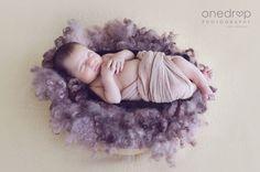Sesión de fotos de recién nacido - newborn - Julieta #newbornphotography #onedropphotography #uruguay Instagram @onedropphotographybymz