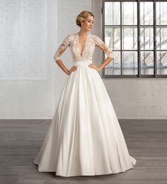 Robe de mariage : Win a Wedding Dress from the Cosmobella 2016 Collection 2016 Wedding Dresses, Wedding Dress Styles, Designer Wedding Dresses, Bridal Dresses, Bridesmaid Dresses, Prom Dresses, Dresses 2016, Dress Wedding, Gowns 2017