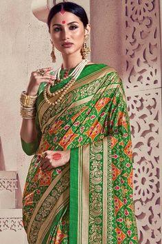 South Silk Sarees, Crepe Silk Sarees, Cotton Silk, Printed Cotton, Green Sari, Upcoming Festivals, Kanjivaram Sarees, Royal Look, Saree Look