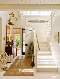 House Tour :: This Seaside Cottage in Maine is Basically My Dream Home - coco kelley coco kelley Beach Cottage Style, Coastal Cottage, Cottage Homes, Maine Cottage, Modern Cottage Style, Coastal Decor, Desing Inspiration, House By The Sea, Coastal Living Rooms