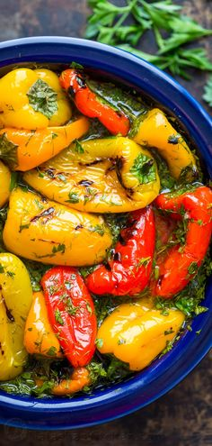 Marinated Mini Bell Peppers are incredibly tasty and so Easy! No slicing, dicing, or seeding. One of our favorite make ahead bell pepper recipes! Everyone who tries this marinated mini sweet peppers recipe, loves it! It's incredibly tasty and gets rave r Mini Sweet Peppers, Stuffed Mini Peppers, Recipe Sweet Peppers, Pickled Sweet Peppers, Healthy Appetizers, Appetizer Recipes, Salad Recipes, Mini Paprika, Bell Pepper Salad