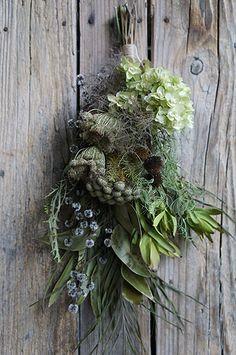 シベリアケヱキのこんな一日の画像|エキサイトブログ (blog) Dried Flower Bouquet, Dried Flowers, Door Swag, Fall Wreaths, Christmas Wreaths, Spring Flowers, Grapevine Wreath, Flower Arrangements, Floral Wreath