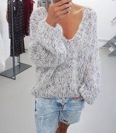 #kirobykim #chunkyknit #fashion #blogger #style #sweater #handknitted #slowfashion