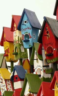 Casa De Passarinho... Bright and Beautiful Bird Houses.