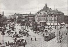 Groß, größer, Groß-Berlin. Der Alexanderplatz, aufgenommen im Sommer 1906. Im Oktober des Vorjahres hat das Kaufhaus Tietz mit dem charakteristischen Globus auf dem Dach eröffnet, das bis dato größte Warenhaus der Stadt.