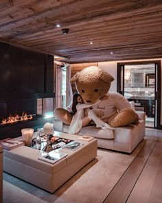 I can't take you home but at least I can put you in my room! 💝 Bear lives at a very beautiful hotel belonging to… Huge Teddy Bears, Giant Teddy Bear, Teddy Girl, Teddy Bear Pictures, Bear Girl, Balenciaga, Take You Home, Cute Girl Photo, Beautiful Hotels