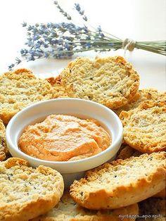 Dip with feta and tomatoes Greek Recipes, My Recipes, Cooking Recipes, Recipies, Food Network Recipes, Food Processor Recipes, Sour Foods, Different Recipes, Finger Foods