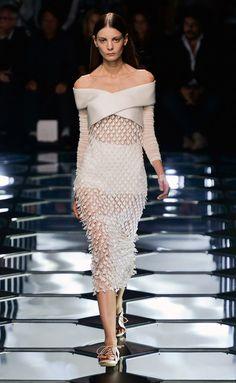 Balenciaga - PFW Spring/Summer 2015 - www.so-sophisticated.com