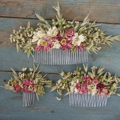 Our handmade dried flower hair combs are a great alternative for creating a wild, bohemian look to your wedding.  They are available in three sizes measuring:  Small size flowers measure approx 7cms across x 4cms high. Medium size flowers measure approx 13cms across x 6cms high. Large size flowers measure approx 20cms across x 7cms high  Please allow a minimum of two to three weeks for dispatch to the UK and a further week for delivery to European destinations, which are sent by Royal Mail…