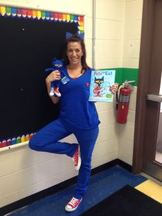 character day spirit week My favorite character costume for read me week! Book Day Costumes, Book Week Costume, Costume Ideas, Fun Costumes, Creative Costumes, Book Characters Dress Up, Character Dress Up, Storybook Character Costumes, Storybook Characters