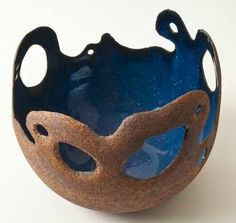 Hideko Honma click now for info. Pottery Bowls, Ceramic Pottery, Pottery Art, Ceramic Clay, Ceramic Plates, Beginner Pottery, Hand Built Pottery, Pottery Techniques, Pottery Designs