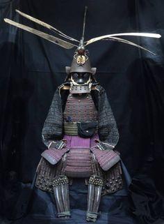 Incredible dragon-fly Maedate Japanese Mask, Japanese Warrior, Japanese Sword, Samurai Helmet, Samurai Armor, Subtractive Color, Japanese Blades, Three Primary Colors, Military Armor
