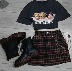 Hipster Outfits – Page 6764294921 – Lady Dress Designs Vintage Outfits, Retro Outfits, Trendy Outfits, Soft Grunge Outfits, Grunge School Outfits, Grunge Shoes, Grunge Fashion, 90s Fashion, Korean Fashion