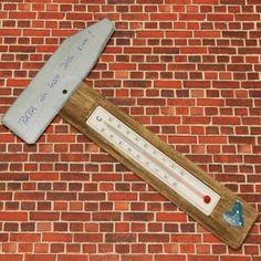 #Thermometer in Hammerform als Vatertagsgeschenk: Wir haben uns speziell für den Vatertag eine besonders schöne Bastelidee ausgedacht! Hier geht es zur Anleitung! ✓http://www.trendmarkt24.de/bastelideen.vatertagsgeschenke-selber-basteln.html#p
