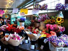 haven't been to Pike Place, but would love to see the flowers there!