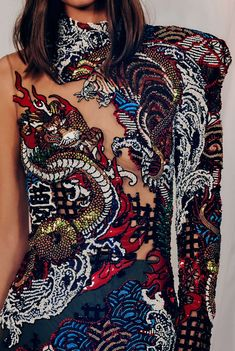 Balmain PRE-FALL The embroidery patterns were packed with Japanese characters, nature elements, and mythological motifs derived from traditional tattoos - Trend Femininer Stil 2019 Fashion Details, Love Fashion, High Fashion, Fashion Show, Fashion Outfits, Fashion Design, Couture Mode, Couture Fashion, Runway Fashion