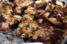תפוחי אדמה מעוכים אפויים בתנור עם בצל מטוגן – לא חוקי כמה שזה טעים (צילום: סוויט דולי)