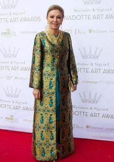 Farah Diba, ex emperatriz de Irán, tan elegante como siempre a sus 74 años, en junio de 2012.