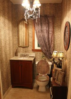 Amazing Cheetah Bathroom