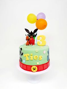 Coelho Bing, Bing Cake, Bing Bunny, Boys 1st Birthday Cake, Birtday Cake, Cake Decorating Frosting, Bunny Party, Cakes For Boys, Cake Smash