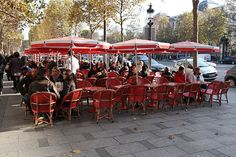 a perfect spot to people watch in Paris!