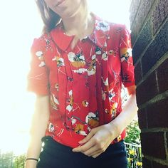 #soibonnieblouse hashtag on Instagram • Photos and Videos Dress Sewing, Blouse Dress, Floral Tops, Sewing Patterns, Photo And Video, Videos, Photos, Outfits, Instagram