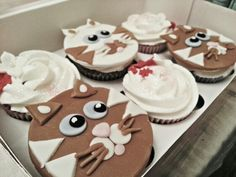 Cat cupcakes #sweetboutique Cat Cupcakes, Cat Food, Gingerbread Cookies, Desserts, Cat Feeding, Gingerbread Cupcakes, Tailgate Desserts, Deserts, Postres