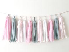 Тассел гирлянда для декора Дня рождения девочки в розово-сером цвете