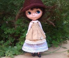 Beige pinafore dress and floral skirt for Blythe by Rainbow Daisies on Etsy