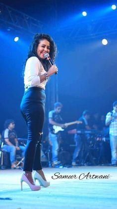 Neha Kakkar live performance with Team Durgesh