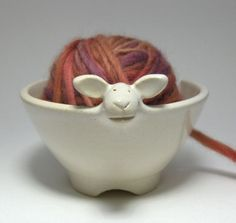 lamb yarn holder