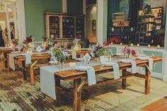 sophisticated wedding reception - photo by Amber Gress - http://ruffledblog.com/long-island-city-wedding
