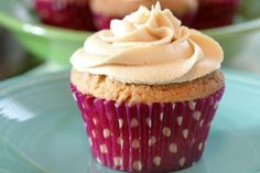 Peanut Butter and Jelly Cupcakes cupcake-oh-cupcake