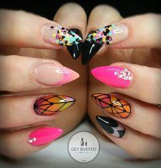 Pink short stiletto nails Más