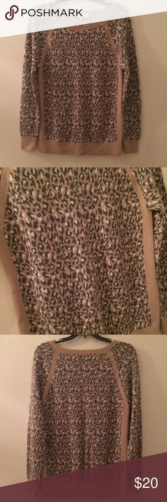 """🍂🆕! LOFT animal print sweater purchased to wear on vacation in NYC but i ended up getting other sweaters for christmas. gently worn around the house and in good condition. brown white and tan animal print. scoop crew neck. pit to pit 17"""", sleeve length 25.5"""", length from scoop of neck 23"""". body is 55% cotton 40% rayon 5% wool. 🚫NO TRADES LOFT Sweaters Crew & Scoop Necks"""