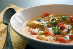 This alluring recipe courtesy of Alta from Tasty Eats at Home is a great way to expand your culinary horizons. Brazilian Style Fish Stew is a gluten free soup made with tilapia, veggies, spices and broth. Catfish Stew, Brazilian Fish Stew, Homemade Chicken Stock, Coconut Milk Recipes, Fish Soup, Chicken Cutlets, Fish Recipes, Chili Recipes, Seafood Recipes