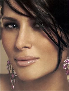 Melania Trump She's just so beautiful, and smart! Melina Trump, Melania Knauss Trump, Donald And Melania, First Lady Melania Trump, Trump Melania, Trump Is My President, Glamour Shots, Coral, Beautiful One